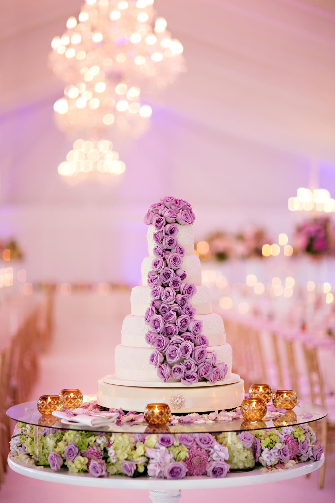 2.-Unique-cake-installation2