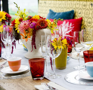 Easter table ideas; colour schemes